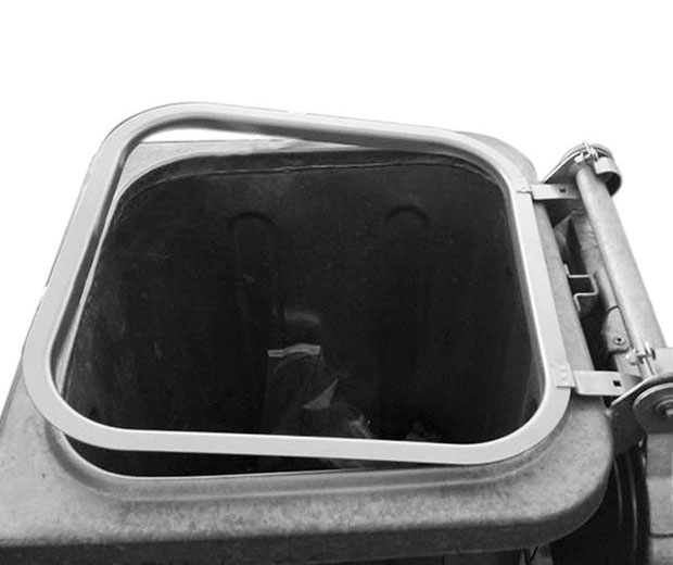 Mülltonne mit Müllsackhalterung